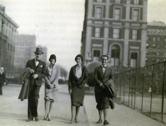 Lorca en Nueva York junto a María Antonieta Rivas y otros dos amigos.