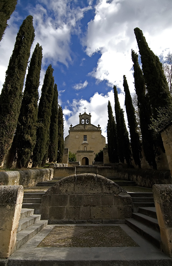 Convento de Carmelitas Descalzos de Segovia, edificio de 1586 que alberga el sepulcro de San Juan de la Cruz. Foto: Chema Concellón.