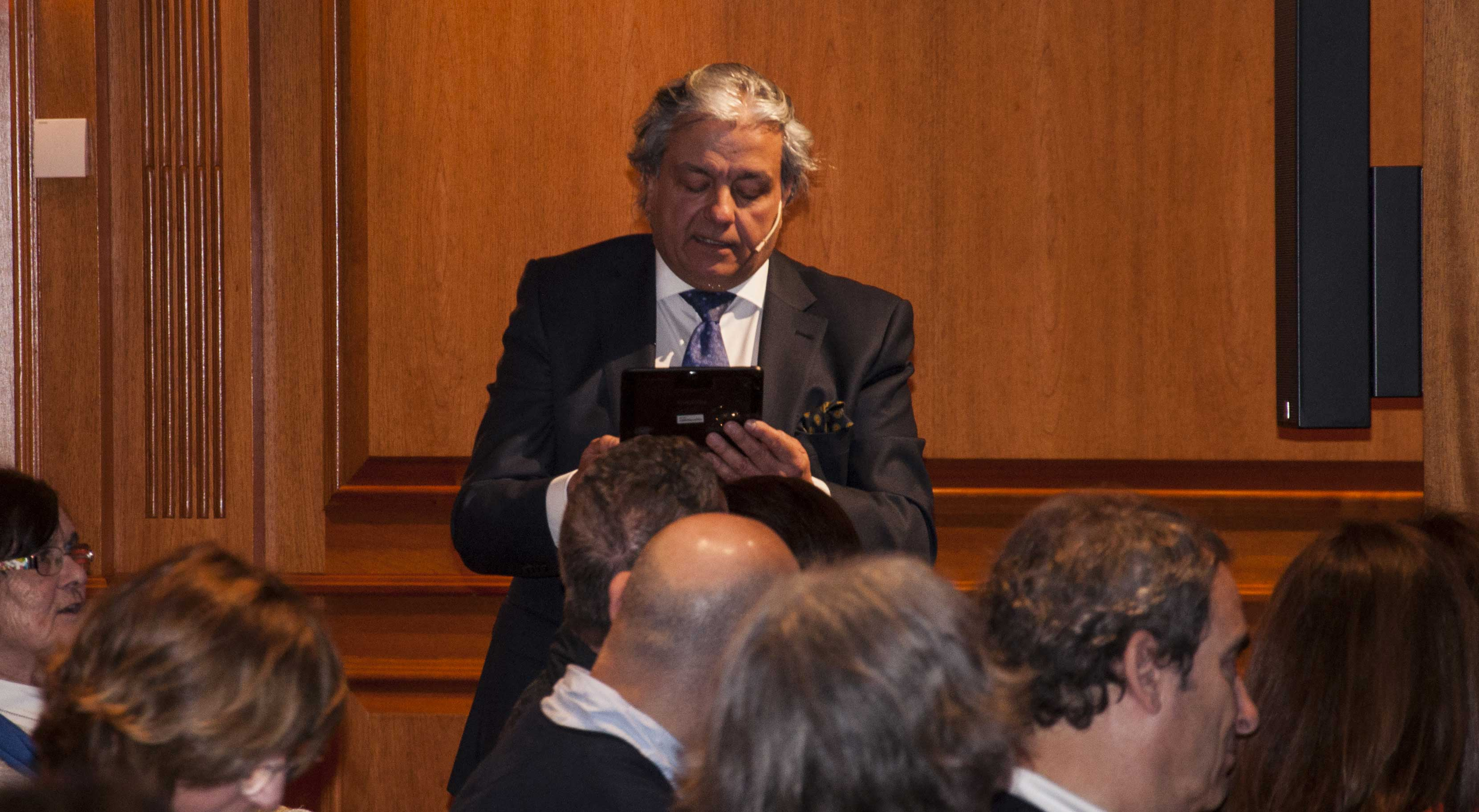 Alberto Closas recita versos de Antonio Machado.
