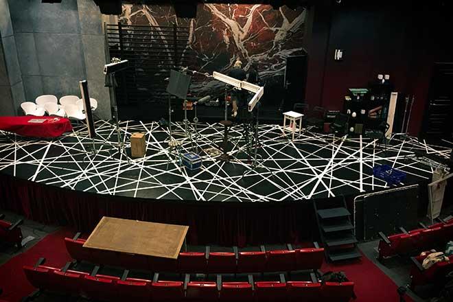 El escenario del Teatro Príncipe visto desde los palcos.