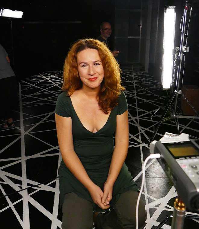 La actriz Lucía Quintana durante el rodaje con Poética 2.0 en Madrid.