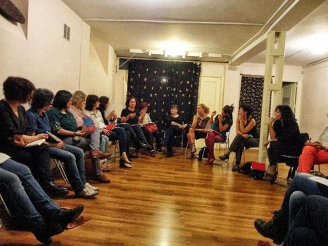 Imagen de una de las reuniones de Genialogías. (Foto de Viky Frías).