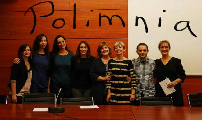 Montse García, Virginia Navalón, Pilar Verdú, Bibiana Collado, Elena Escribano, Inma López, Fran García y Ana Pérez durante un recital organizado por Polimnia.