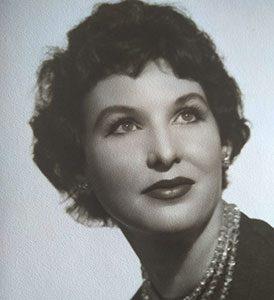 La poeta María Beneyto